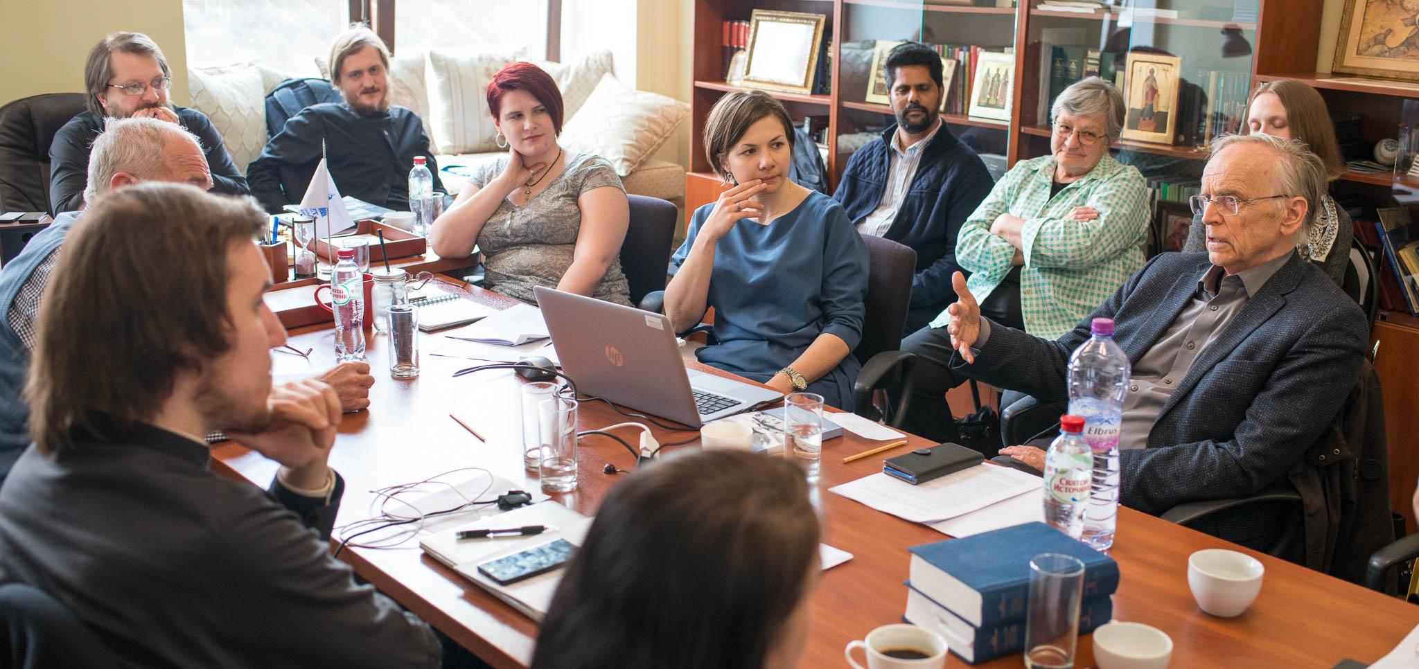 Сотрудники Лаборатории выступили на международном круглом столе